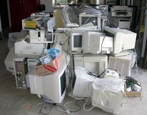 """""""]  Reciclaje y desguace de equipos informáticos"""